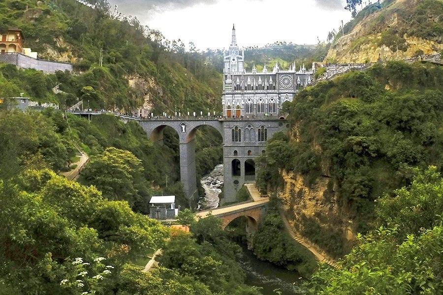 德聖所拉斯拉哈斯 - 位於哥倫比亞的怡皮阿爾斯,建於1916年至1949年。