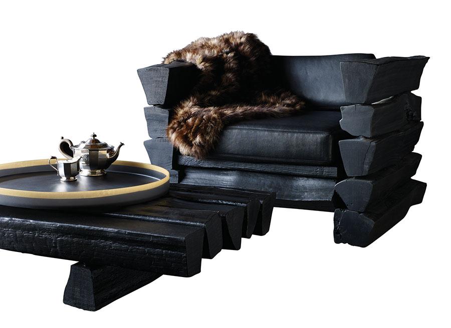 Martha的家具設計風格也是乾淨簡潔的,和她的雕塑作品是同樣的風格。「我選的是有現代感的小型家具。」