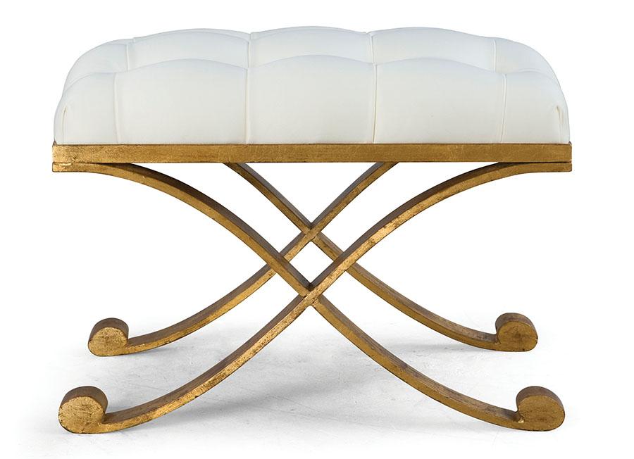 CG坐榻Price Upon Request 白金兩色的法式座椅,是貴族式典雅的詮釋。拋光的金色木框點綴出溫暖的華麗,精緻的細節,讓即使最挑剔的貴賓也賞心悅目。 At Jordans Interiors,Jordans.ca