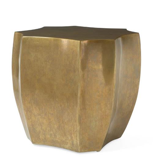 Century Furniture Lamp Table, $2,879 鍍銅的表面閃耀的暗沉久遠的微光,隨意劈砍出的形狀,隨性地融入了周圍的空間。 At Paramount Furniture, 604 273 0155 paramountfurniture.ca