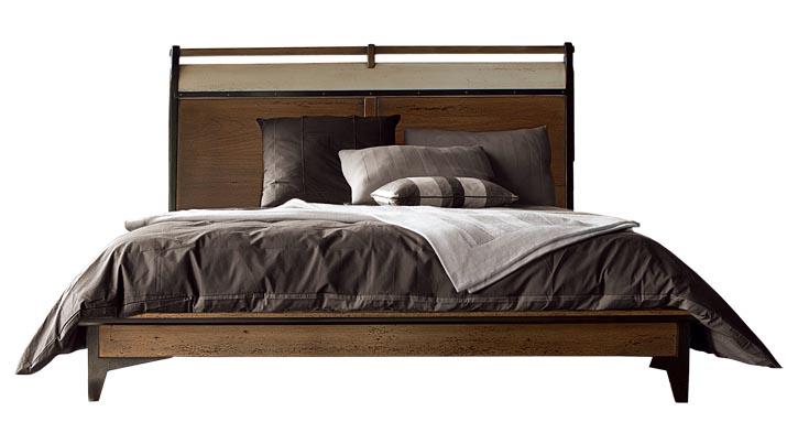 Roche Bobois Correspondances Bed,starting at $4,255 簡潔的櫸木大床,用深色勾勒出莊重的框架,承載著滿滿的溫暖與舒適。 At Roche Bobois, 604 633 5005 roche-bobois.com