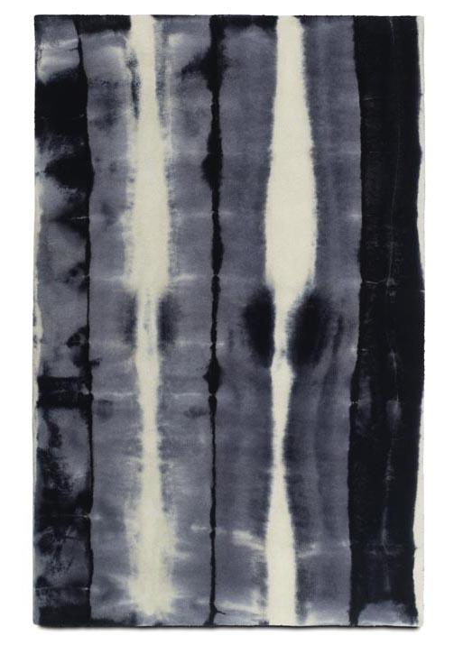 BoConcept Flash Rug, $1,195 如一幅舖在地面上的水墨畫,散發著濃厚、深邃的氣息。 At BoConcept, 604 730 8111 boconcept.ca