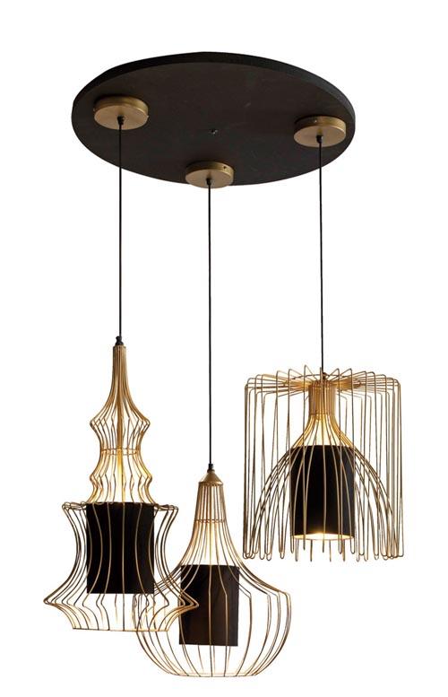 1.Roche Bobois Cage Doree Ceiling Light 三盞吊燈的金色金屬線燈罩,被彎曲成不同的形態,在變化與統一中找到了奇妙的默契。 At Roche Bobois, 604 633 5005 roche-bobois.com