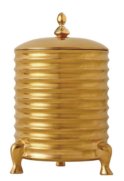 4.L'objet Han Candle With Lid, 3-Wick 造型源自中國漢代的器皿,古樸莊重,瓷質瓶身來自法國著名瓷器產地Limoges,表面鍍24K金。 At Atkinson's, 604 736 3378 atkinsonsofvancouver.com