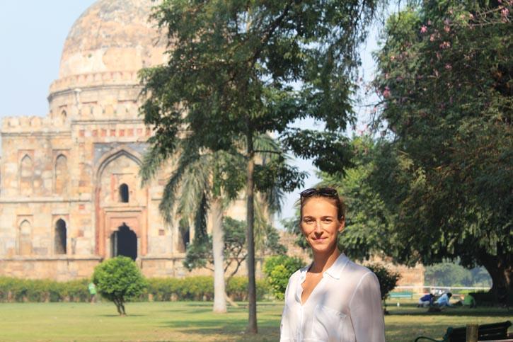 今年的「H Project」產品,設計靈感和生產地鎖定在歷史人文豐富的印度。Alexandra在印度新德里的Lodhi花園,為今年「H Project」的主題「打開印度」尋找靈感。