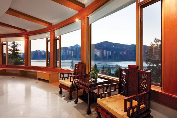在BC省打造一所宅邸,一定不要忽視了窗外的自然美景,正如房主所說:「還有誰能成就如此的美麗呢?」