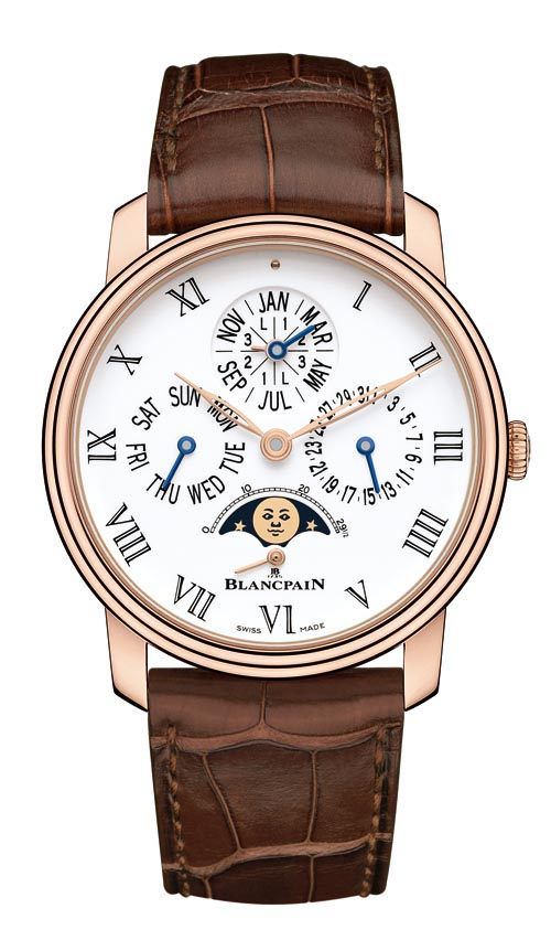 寶珀 Blancpain Villeret Collection perpetual calendar 搭載全新自動上鏈萬年曆機芯Calibre 5939A,共由379個零件組成,厚度7.25mm。可自動識別閏年,準確顯示星期、日期、月份和月相至2100年。專利設計的調校按鈕隱藏在錶耳下方,營造出錶殼整體的流暢線條。 blancpain.com, At Montecristo Jewellers, 604 263 3611