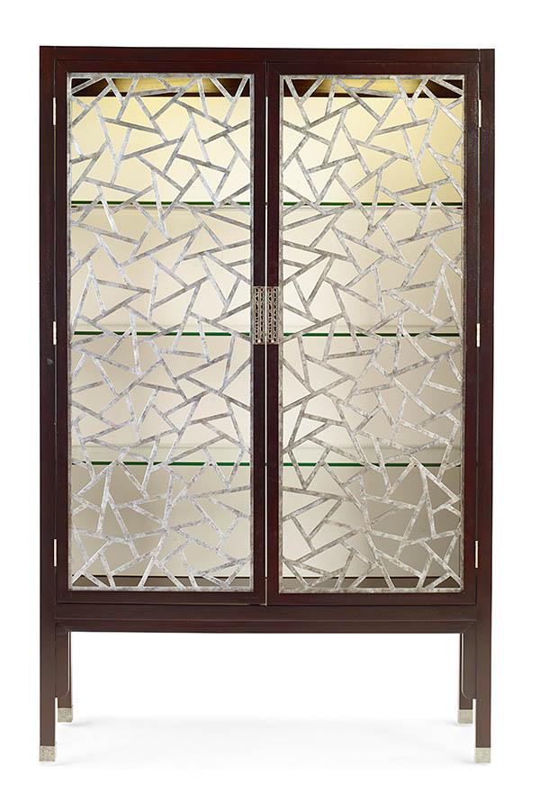 .Century Furniture Tracery Cabinet, $8,599 兩扇鏤空門如窗上凝結的冰花,三層玻璃擱板可取下,內部還有安裝有LED裝飾燈。 At Paramount Furniture, (604) 273-0155 paramountfurniture.ca