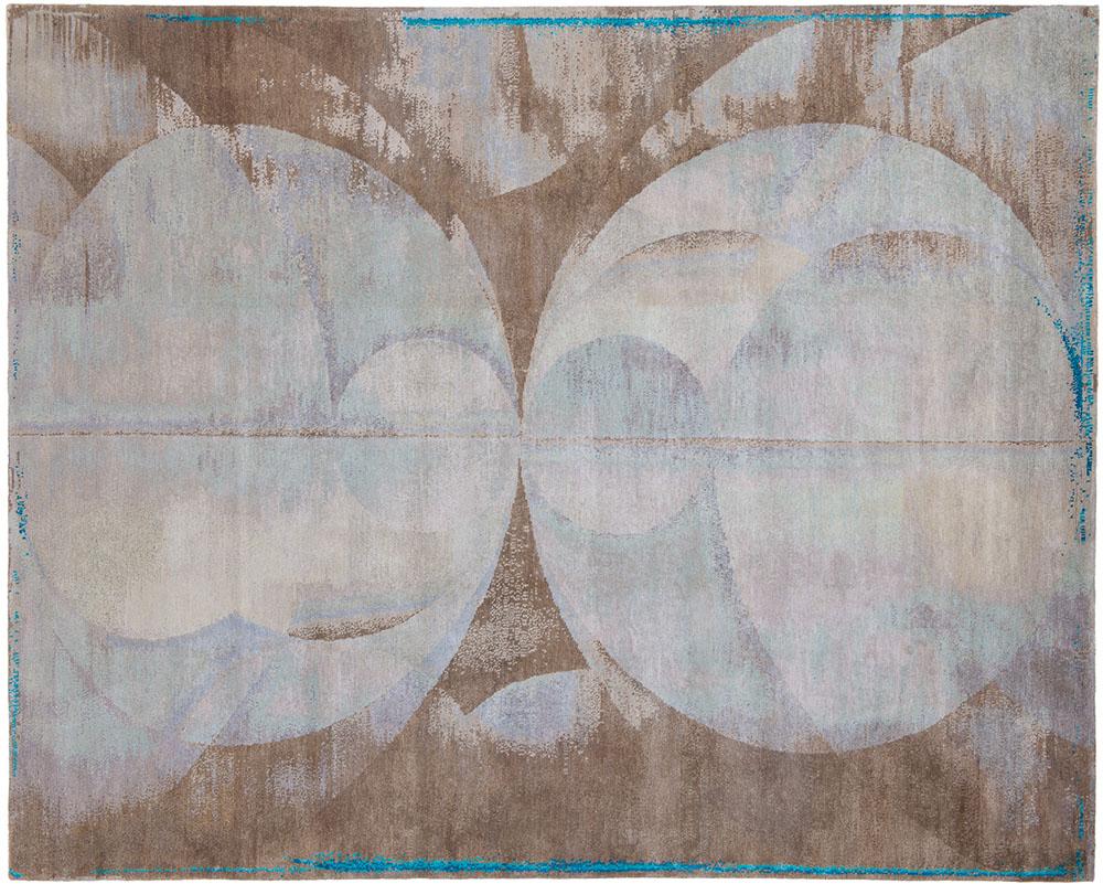 Jan Kath Angles 5, 8' x 10' Rug, $16,000 中性的色彩搭配抽象的圖案,如大地般謙和包容,羊毛、絲與蕁麻的天然材質,質樸中不乏精緻奢華。 At Jan Kath, (604) 254-5284 jan-kath.com