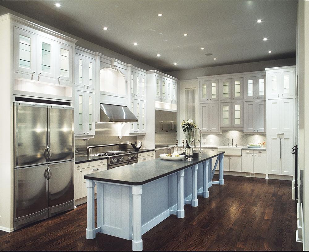 夜間綻放光明的櫥櫃,好似一座宅邸內的不夜城,閃耀在設施完備現代的廚房中。