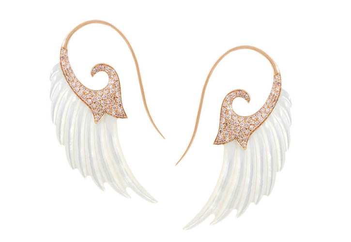 Noor Fares Wing 18-karat rose gold, mother of pearl and diamond earrings    18k玫瑰金翅膀耳環 $20,180   net-a-porter.com