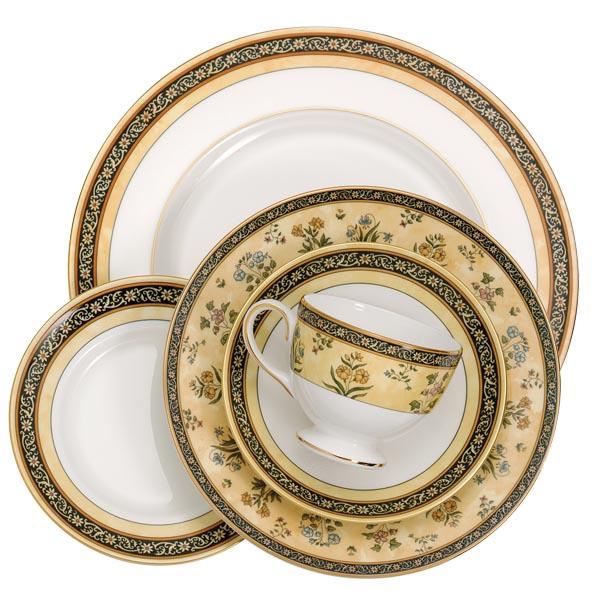 Wedgwood India Dinnerware, 5 Pc. Place Setting, $155.99 花卉紋樣骨瓷餐具5件套 At Bed Bath & Beyond,  bedbathandbeyond.ca , 604 904 1118
