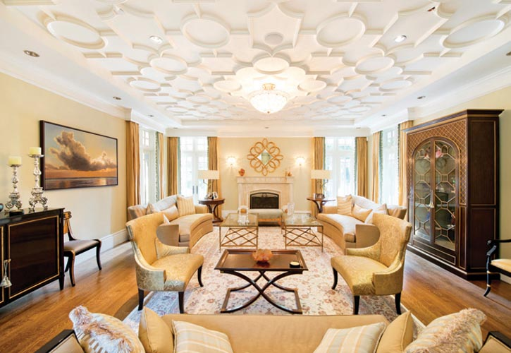 Richard Salter Interiors室內裝飾公司打造的精美起居室,寧靜安詳、傳統平和,但又不乏亮點,將房主的絕佳品位再度提升。