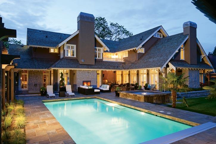 這是幢一年四季皆散發動人之美的住宅。