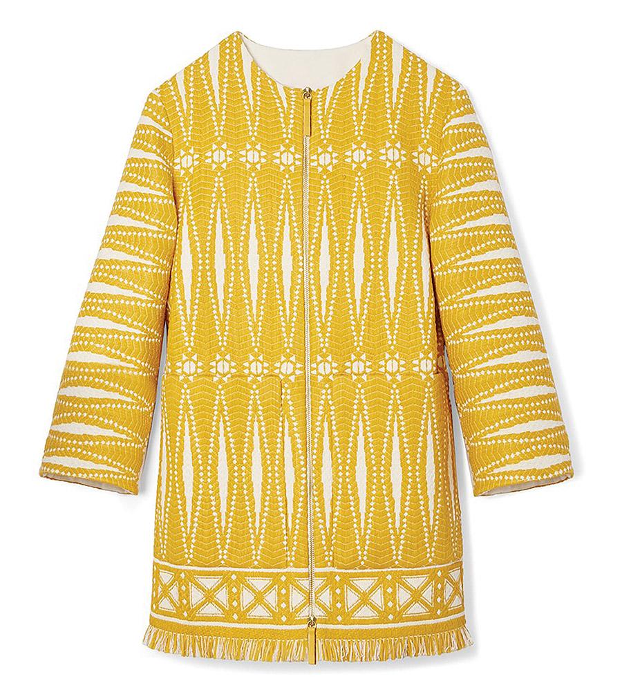 Tory Burch Savory Tweed Coat 湯麗柏琦花呢外套 $1,100 彷彿是來自法國小鎮的靈感,這件湯麗柏琦外套精美的花呢紋樣,搭配亮麗溫暖的明黃,實在是讓人過目難忘。 At Tory Burch Boutique, (604) 688-4163, toryburch.com