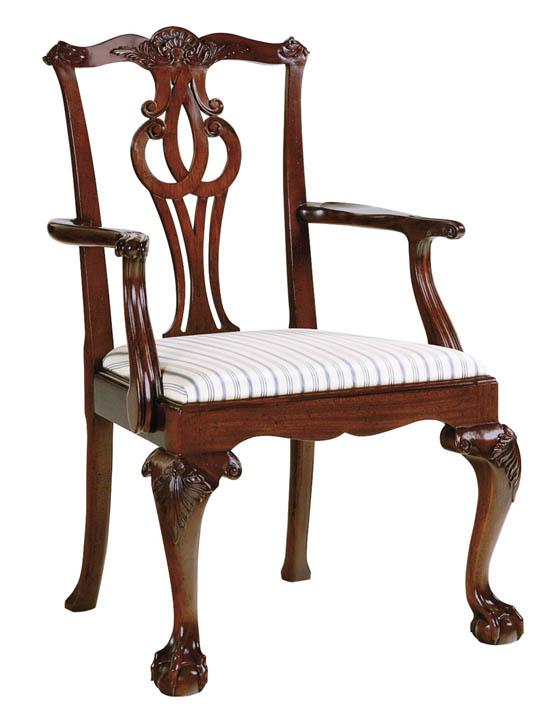 Baker Georgian Arm Chair 雕琢精細優雅的扶手椅,呈現出別具風情的東方風格。 At Brougham Interiors, 604 736 8822 broughaminteriors.com