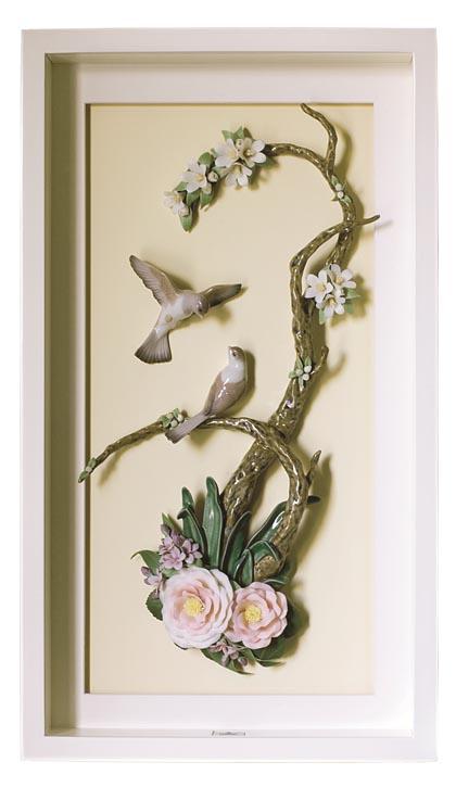 Lladró Birds on Branch Wall Art 用陶瓷塑造出中國水墨畫的悠然意境,精緻細膩的工藝讓畫面栩栩如生。 At Atkinson's, 604 736 3378 www.atkinsonsofvancouver.com