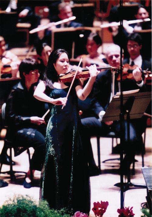 在巴黎Marguerite Long-Jacques Thibaud國際小提琴比賽中。