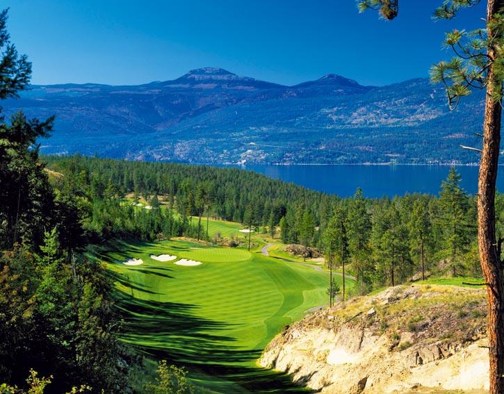Predator Ridge高爾夫球場;若您喜愛美麗的山路,可選擇驅車從溫哥華前往Sparkling Hill度假村,路上需4~6小時;或乘飛機前往Kelowna國際機場。