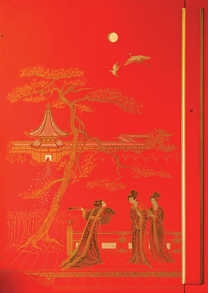「中式風格起源於異想天開的歐洲人對於充滿異域風情的、令人陶醉的中國美學的演繹與詮釋。」設計師Ann Getty說。左圖為1786年製造的中式風格大鍵琴的細節描寫;右圖為1988年製造的中式風格大鍵琴的細節描寫。