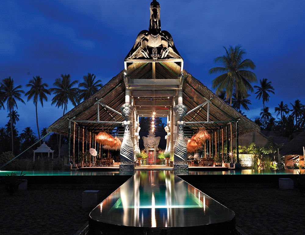 Tugu酒店受到超級名模Kate Moss喜愛的Bale Kokok Pletok餐廳,裏面設施猶如博物館,有眾多的藝術品和古董。