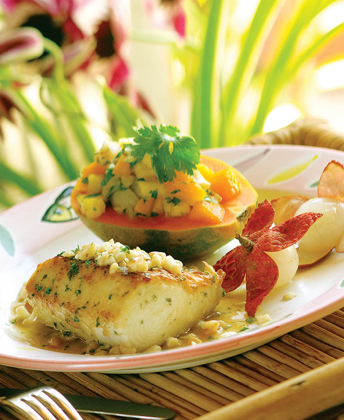 餐廳用新鮮魚製成美味佳餚