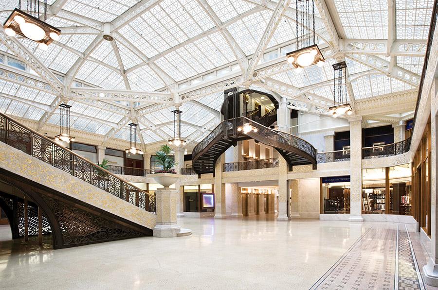 魯克里大廈(Rookery)是芝加哥最華麗,最具設計感的辦公樓。(Tim Long/ Courtesy of Frank Lloyd Wright Trust)
