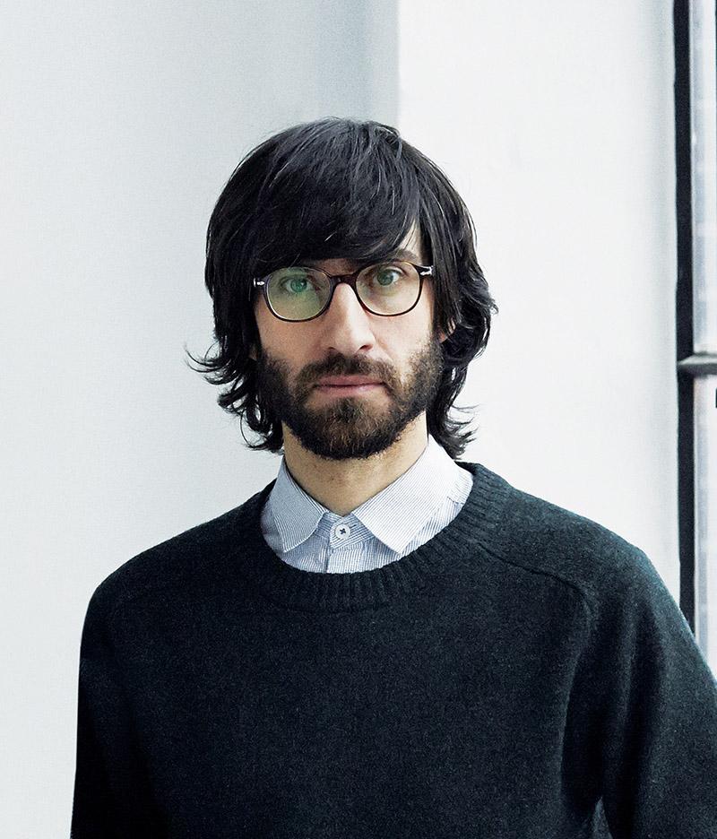 設計師Enrico Fratesi在位於哥本哈根的GamFratesi工作室中,他的作品屢獲各項殊榮。