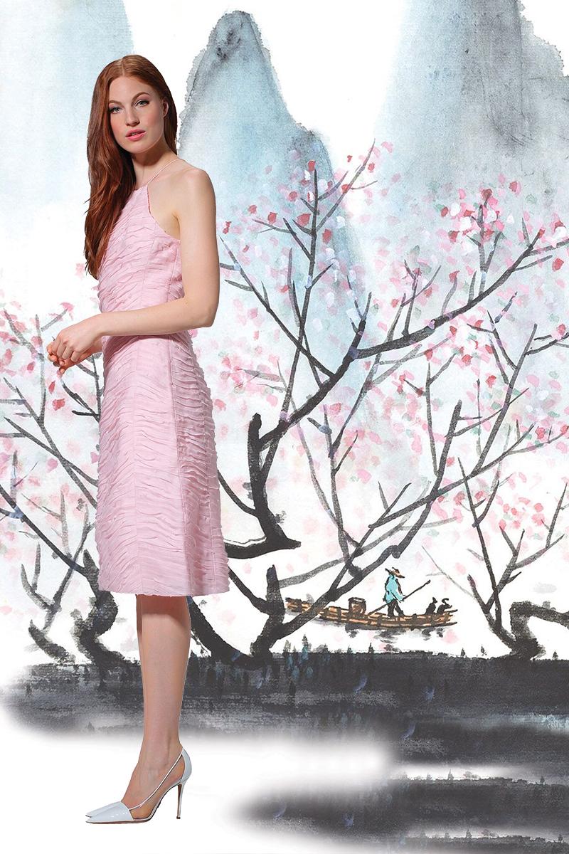 邁可.寇斯 緞面連衣裙、白色高跟鞋US$550