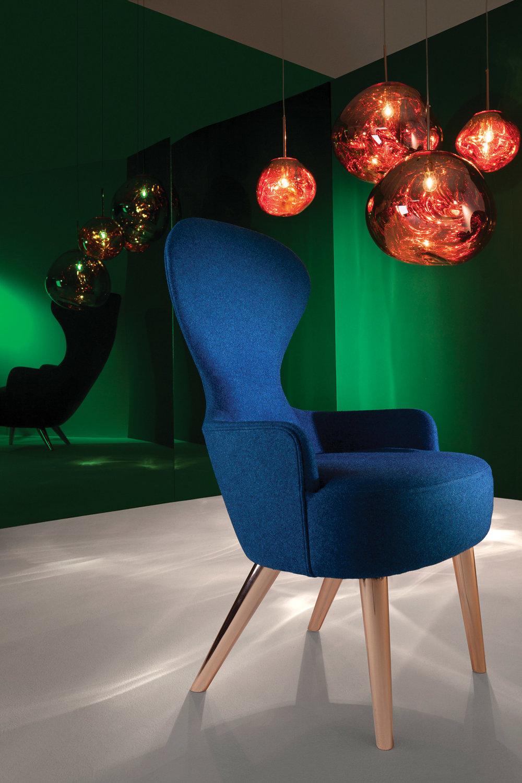 英國傳奇設計師Tom Dixon設計的「融化」玻璃吊燈和Wingback餐椅,將在今年的溫哥華IDS展會展出。