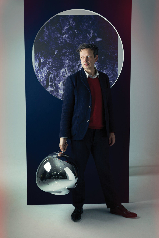 Tom Dixon,他的設計在今年米蘭設計週上引起轟動。