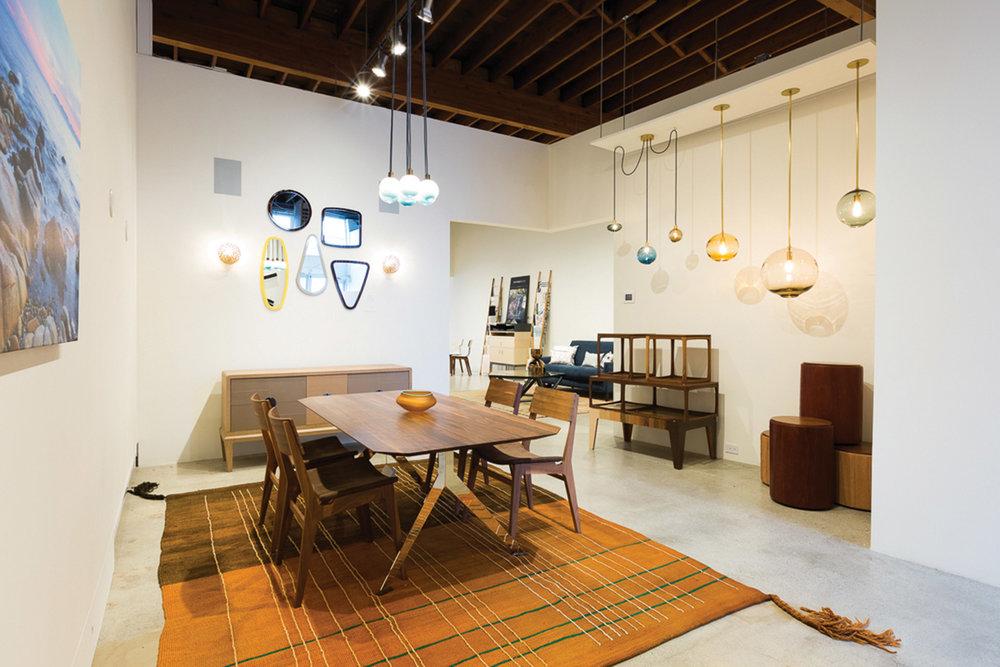 溫哥華高端家具品牌Switzer Cult Creative將展示Zanat和Artisan等品牌家具。於設計中融入了傳統歐洲精細木工手工雕刻工藝。