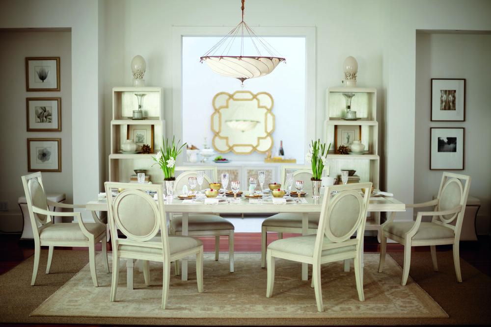 方形木框圓鏡Century Furniture Shane Beveled Mirror, $5,995 At Paramount Furniture, (604) 273-0155, paramountfurniture.ca