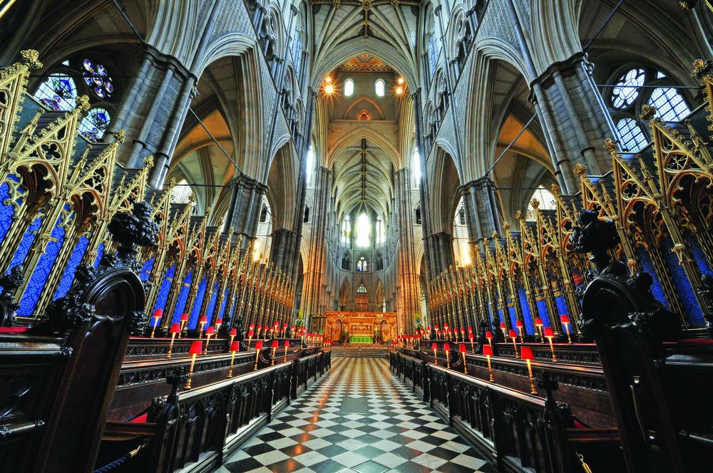 威斯敏斯特大教堂自1066年成為英國國王的加冕典禮舉辦地,這裏還安葬著許多國王和歷史名人等。Kiev.Victor / Shutterstock.com
