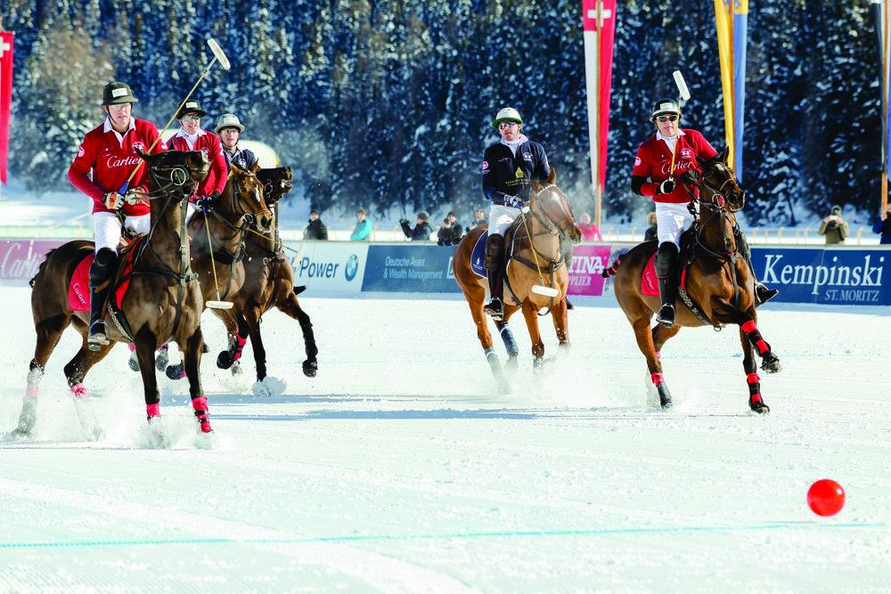 唯一的冬季高段位比賽,瑞士的聖莫里茨自1985年起於雪山之間舉辦這項賽事。St. Moritz: saveriolafronza / Shutterstock.com