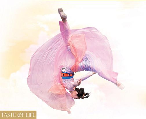 朱穎姝精彩演繹《嫦娥奔月》,在第六屆「全世界中國古典舞大賽」中奪得少年女子組金獎。