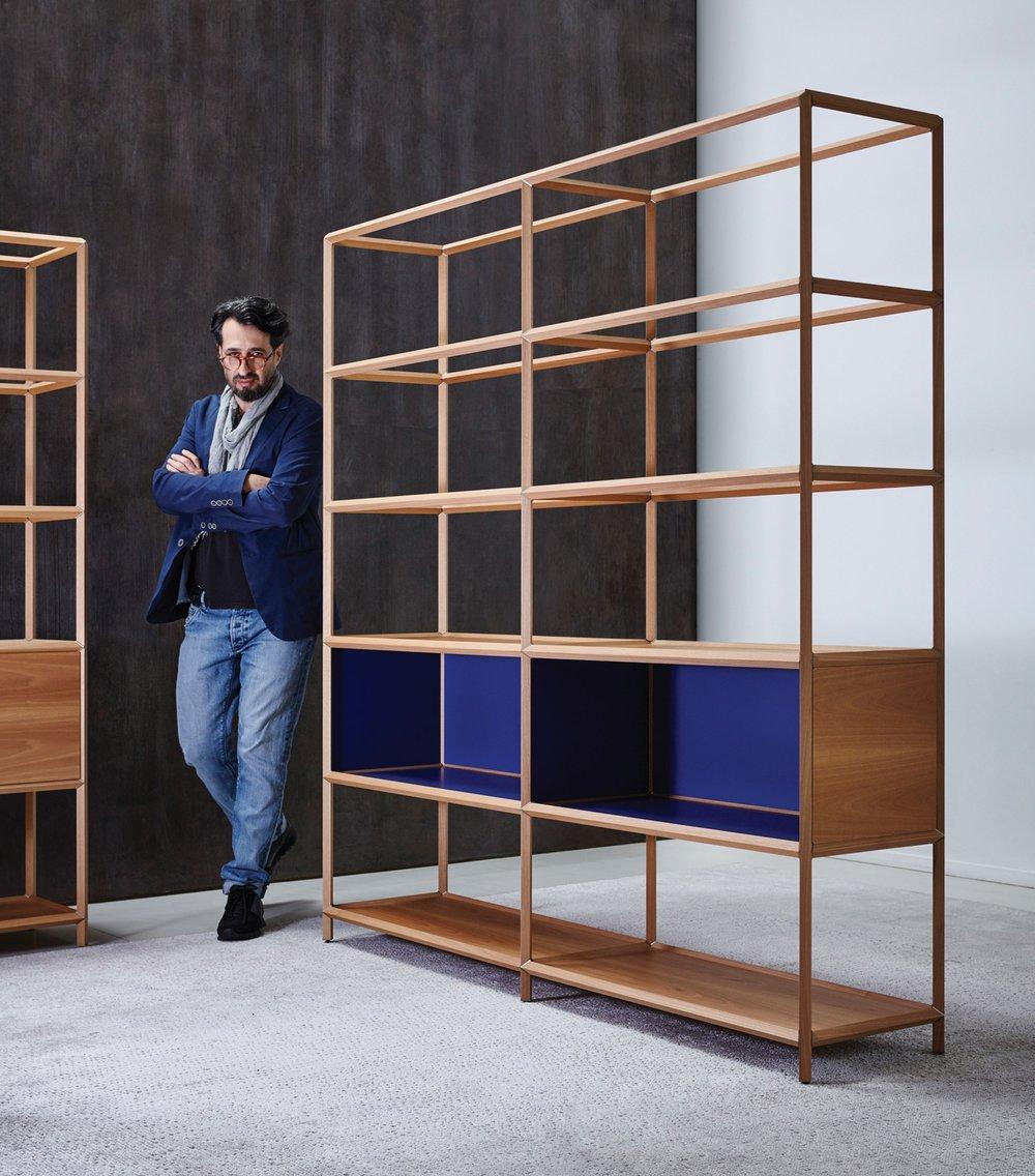 以色列設計師Ron Gilad駕馭幾何線條的能力從他設計的新品「Reticolo」櫃子可略窺一斑。Photography by Albert Yee