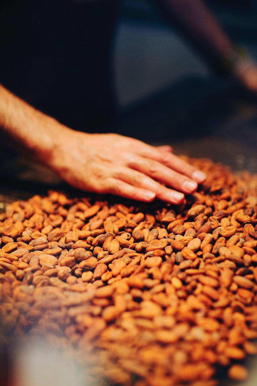 Koko Monk製作的巧克力,儘量減少對可可豆的現代加工,甚至連白糖都不放。Photo by Tian Tian