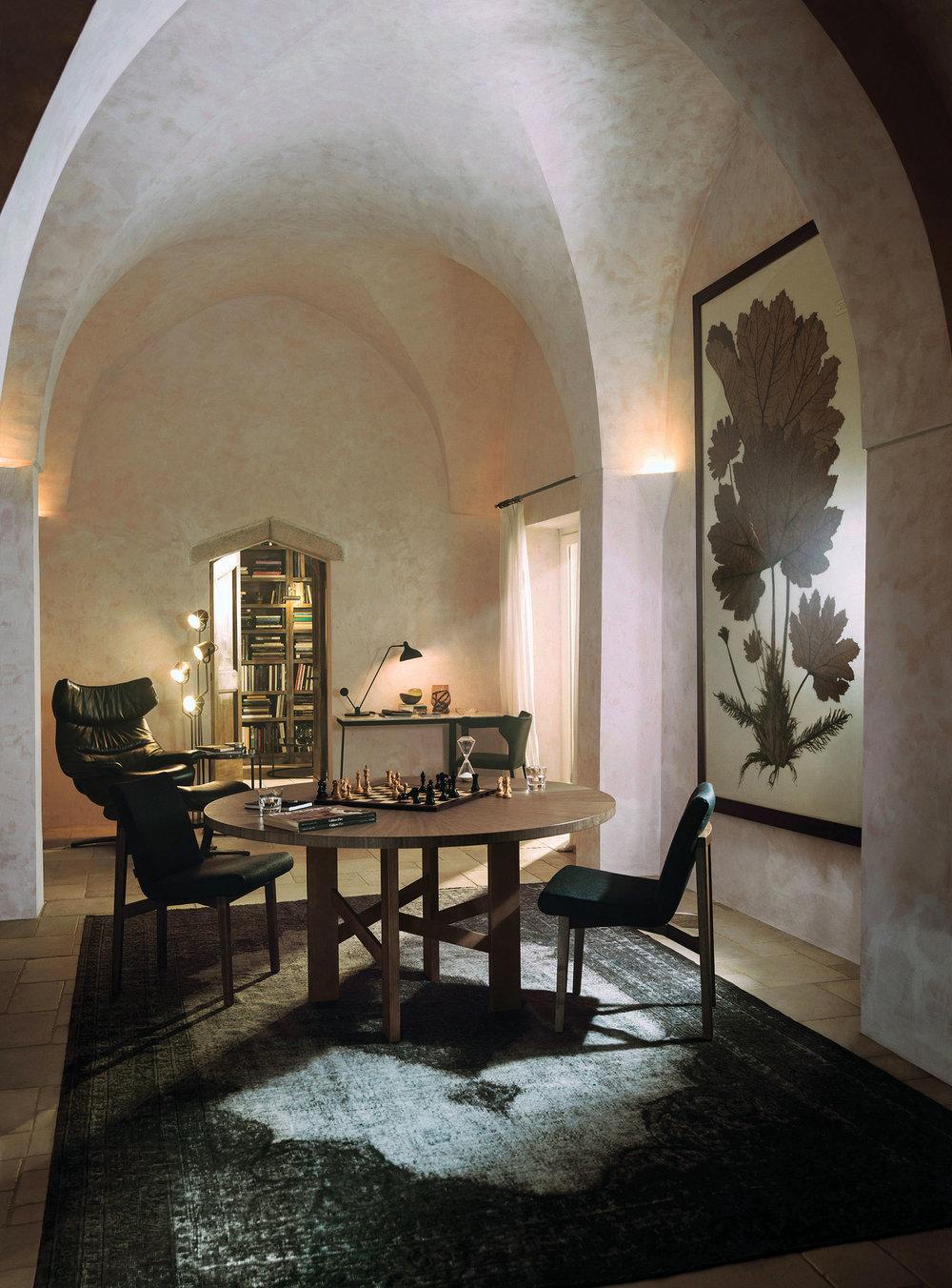 Natuzzi Accademia Table, price upon request 現代造型木質圓桌 At Sandy's Furniture, (604) 520-0800,  sandysfurniture.ca