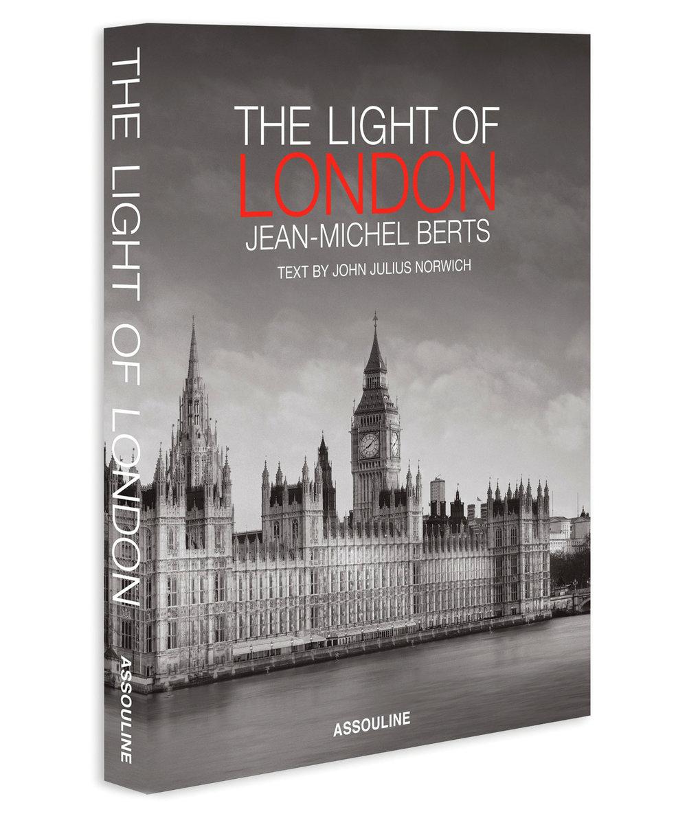 5.The Light of London 書 US$75,  assouline.com