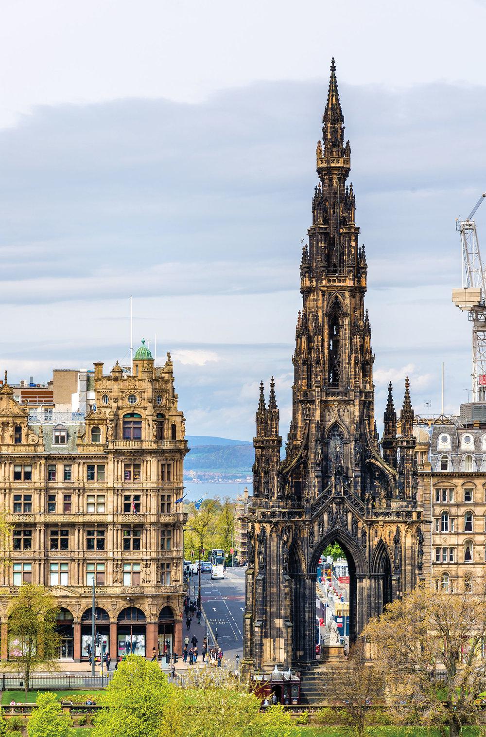 英國傳奇作家沃爾特.司各特的紀念碑足有200英呎高,是全世界最高的紀念碑之一。