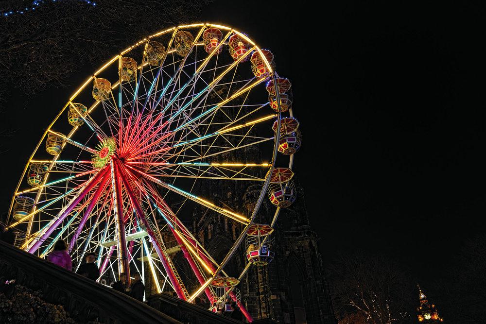 高高的摩天輪是俯瞰愛丁堡新年慶祝活動全貌的好去處。