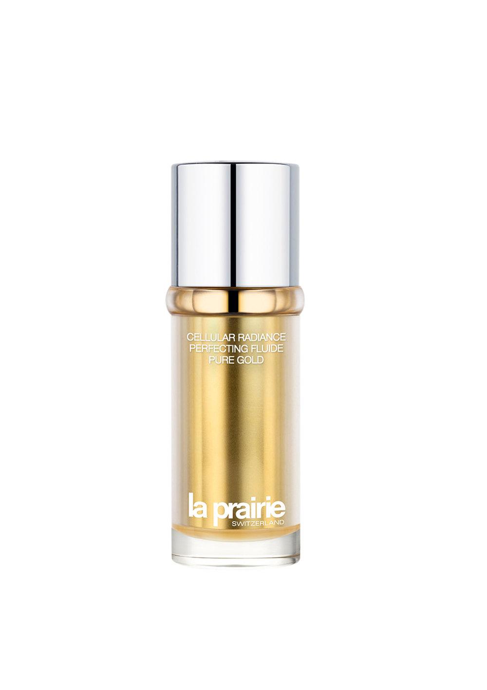 All that Glitters  The Cellular Radiance Perfecting Fluide Pure Gold by La Prairie $670  在流動液體中加入純金顆粒,以複雜的光反射技術讓皮膚光彩照人。真正的魔法其實在能夠促進肌膚再生、減少皺紋、平衡膚色的秘密配方中。用於早晚潔面、精華液之後,以指尖在臉上輕輕塗勻。