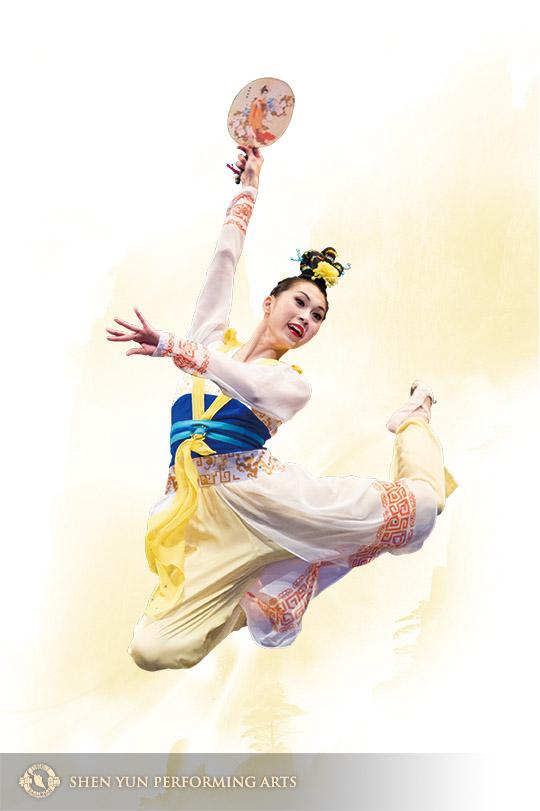 林孝紘在2012年第五屆和2014年第六屆新唐人電視台舉辦的「全世界中國舞舞蹈大賽」中分別獲得少年女子組和青年女子組金獎。圖為她在比賽中表演劇目《在水一方》。