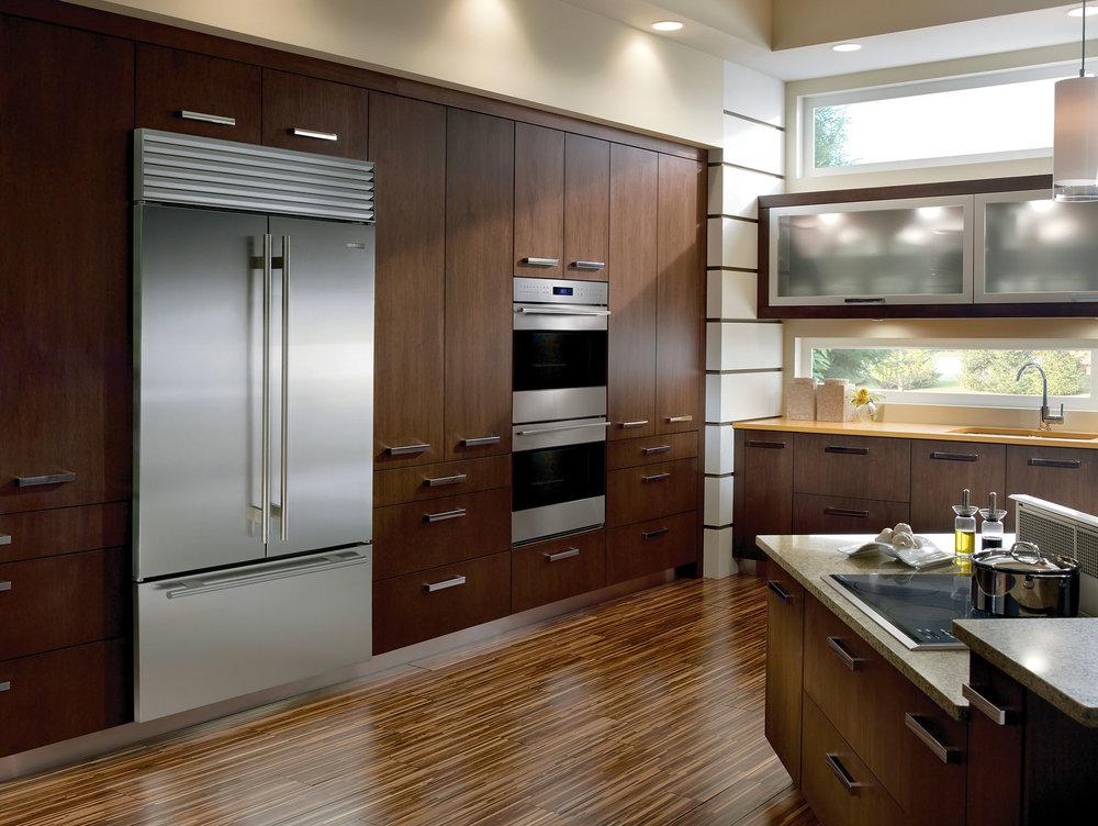 不鏽鋼三門嵌入式冰箱 四種烹飪模式雙層烤爐 At Bradlee, (604) 244 1744, subzero-wolf.com