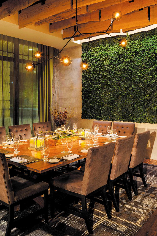 綠色植物裝飾牆,使用純天然材料製作,無需維護保養  bynaturedesign.ca