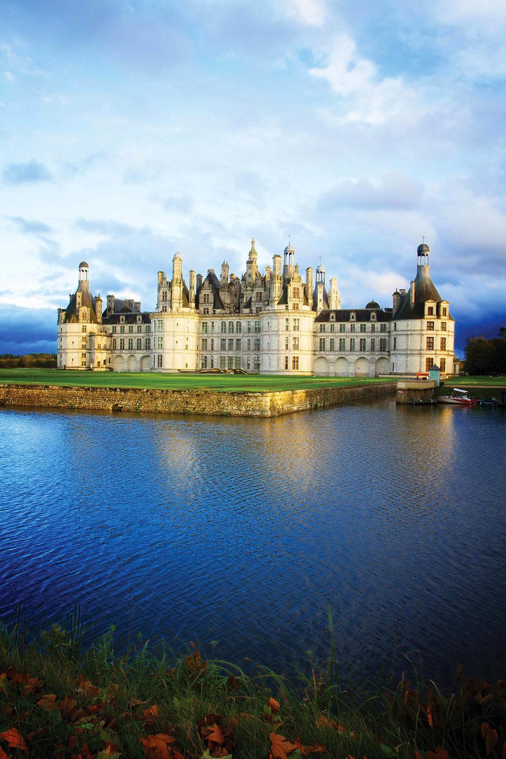香波爾城堡是路易十四最喜歡的地方,他曾命人在這裏上演過莫里哀的戲劇。 Neirfy / shutterstock.com