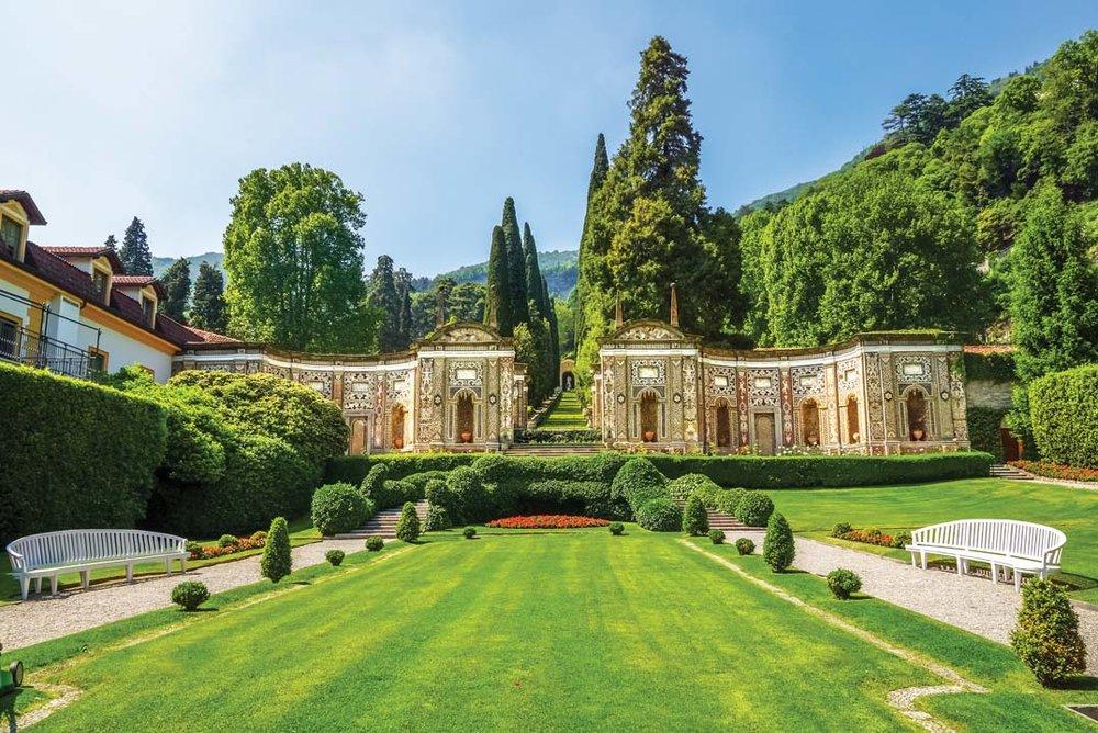 d'Este別墅內壯麗的庭院一年四季皆有不同景緻。 Capricorn Studio / Shutterstock.com