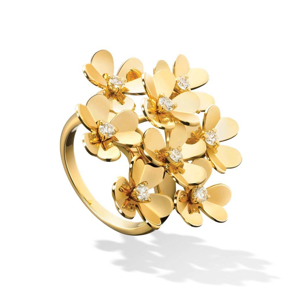 Frivole Ring 8 Flowers by Van Cleef & Arpels $10,800 梵克雅寶花朵戒指