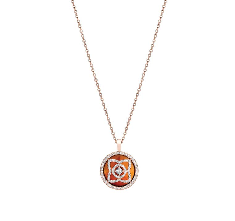 Enchanted Lotus Pink Gold Carnelian Pendant by De Beers $3,650 戴比爾斯蓮花粉色金瑪瑙吊墜